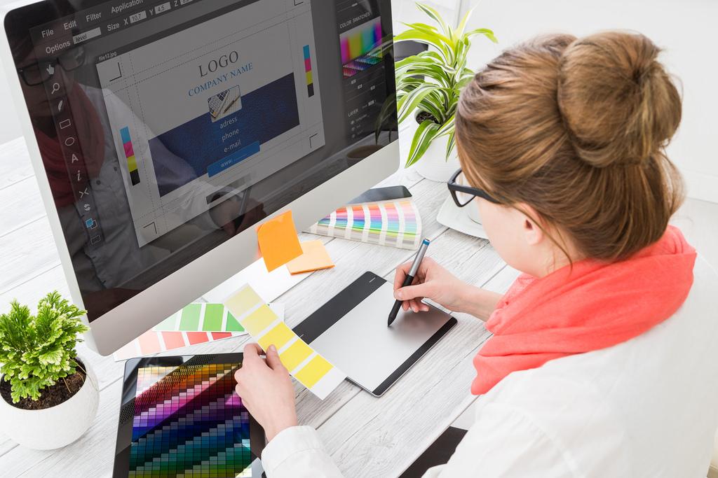 گرافیست وب سایت از نیروهای شرکت طراحی وب سایت